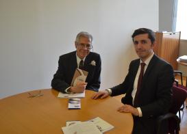 Le représentant du Centre de Traduction a rencontré Le dirigeant de l'Organisation Internationale du Livre de Turin