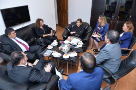 Le Ministre de l'éducation et de la culture de la République turque de Chypre du Nord au Centre de Traduction