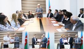 Les certificats du Centre de Traduction d'Azerbaïdjan ont été offerts à leurs titulaires