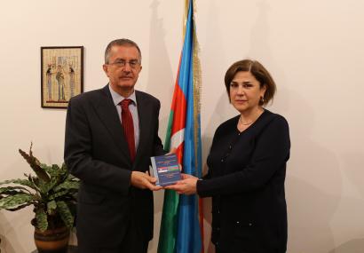 El embajador de la Républica de Serbia en Azerbaiyán visita el CTA