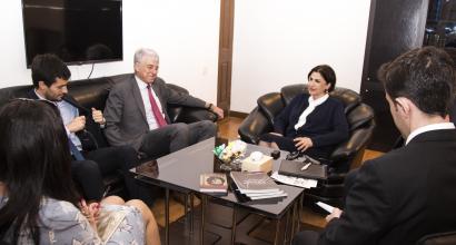 El embajador extraordinario y plenipotenciario de la República Argentina estuvo de visita en el Centro de Traducción