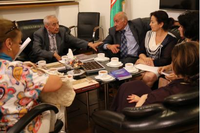 La delegación de Uzbekistán estuvo de visita en el Centro de Traducción