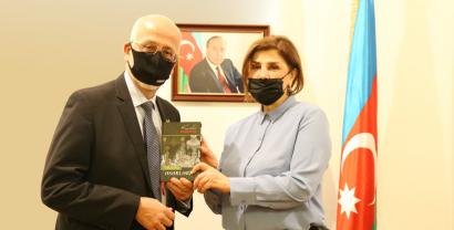 Азербайджано-мексиканские литературные связи расширяются