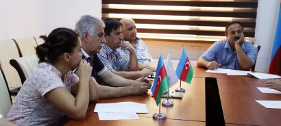 Le Centre de Traduction a organisé une table ronde sur le thème « La poésie de Nassimi »