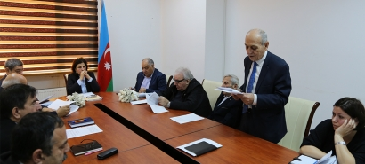 انعقاد اجتماع المجلس العلمي في مركز الترجمة الحكومي الأذربيجاني