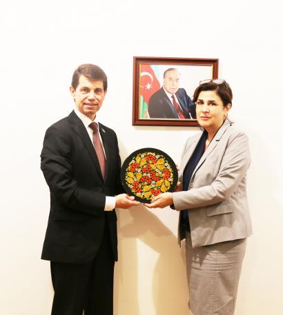 Der Botschafter der Ukraine in Aserbaidschan im Übersetzungszentrum