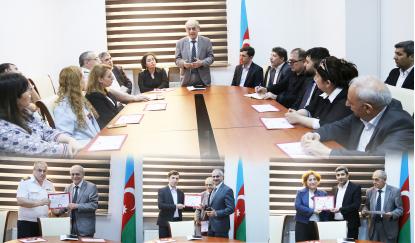 گواهینامه های بنیاد ترجمه آذربایجان به صاحبان آن عطاء شد