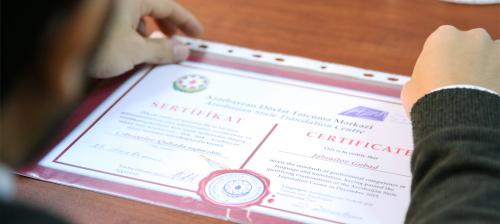Tərcümə Mərkəzi sertifikatları sahiblərinə təqdim etdi
